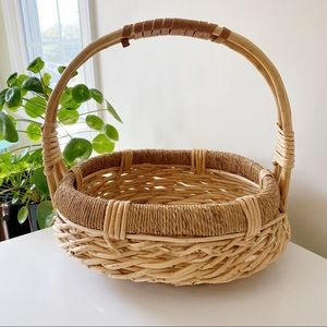 Woven wicker rattan decorative basket with handle